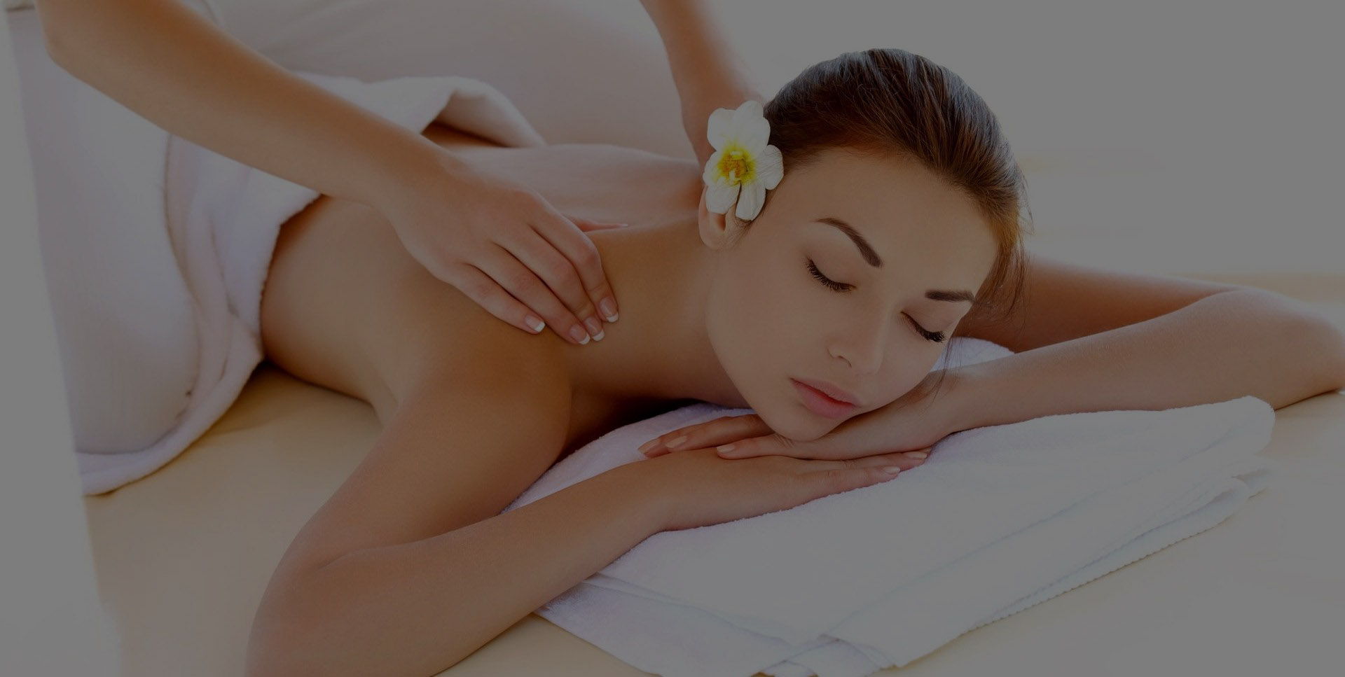 Alivie o stress, elimine as tensões e aproveite a massagem mais relaxante da sua vida.